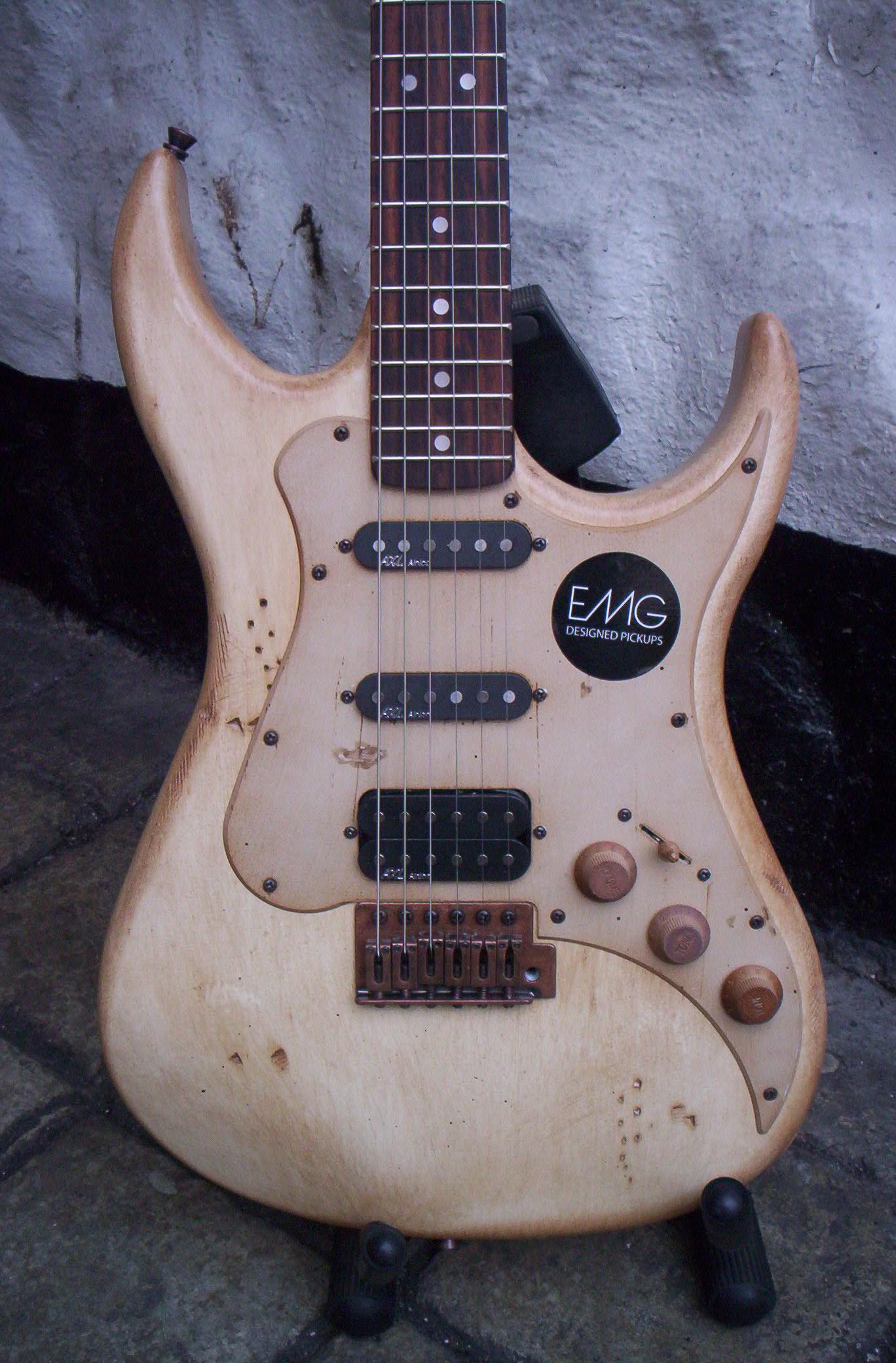 Megapost Guitarras AXL